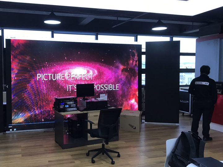 Magnimage社のシステムで動くLEDスクリーン。LEDコントローラー、スケーラー、共にMagnimage社。